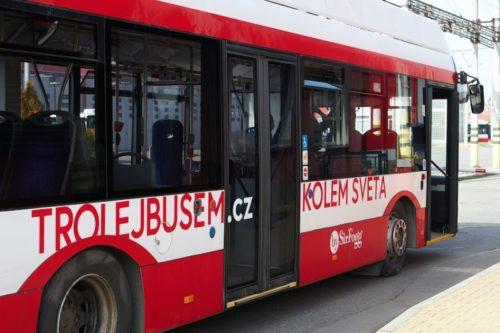 Cestovatel Sir Fogg znovu objede svět, tentokrát trolejbusem